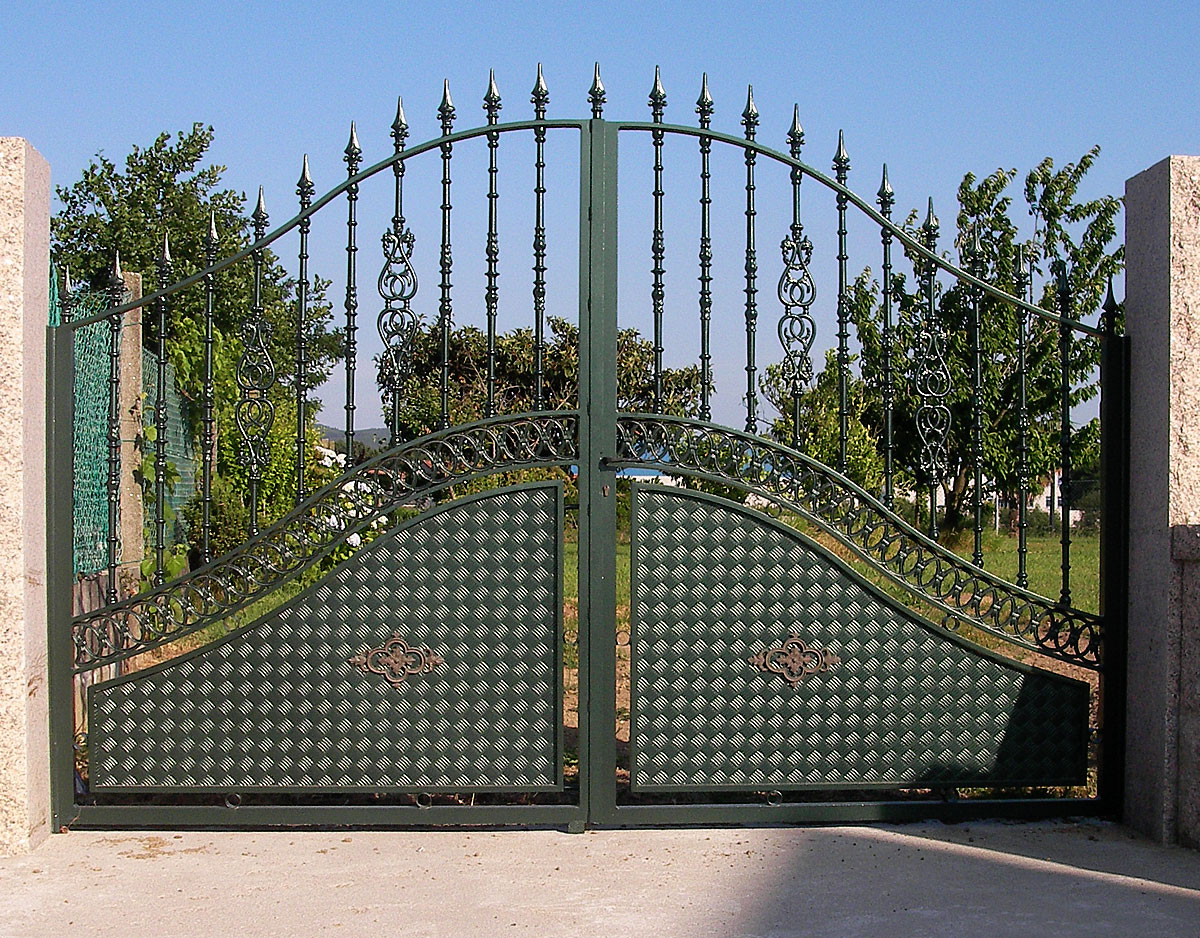 CIERRASTUR Puerta finca 10