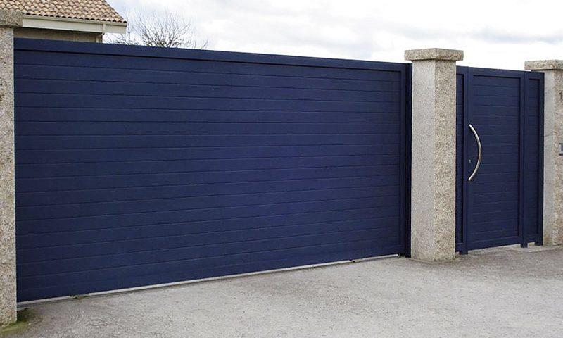 Puerta finca modelo contemporánea azul