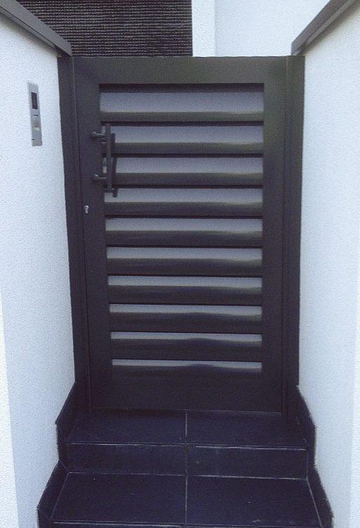 Puerta entrada casa en aluminio