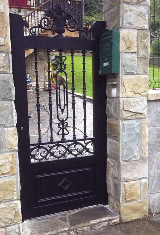 Puerta de aluminio entrada casa en aluminio orgánico