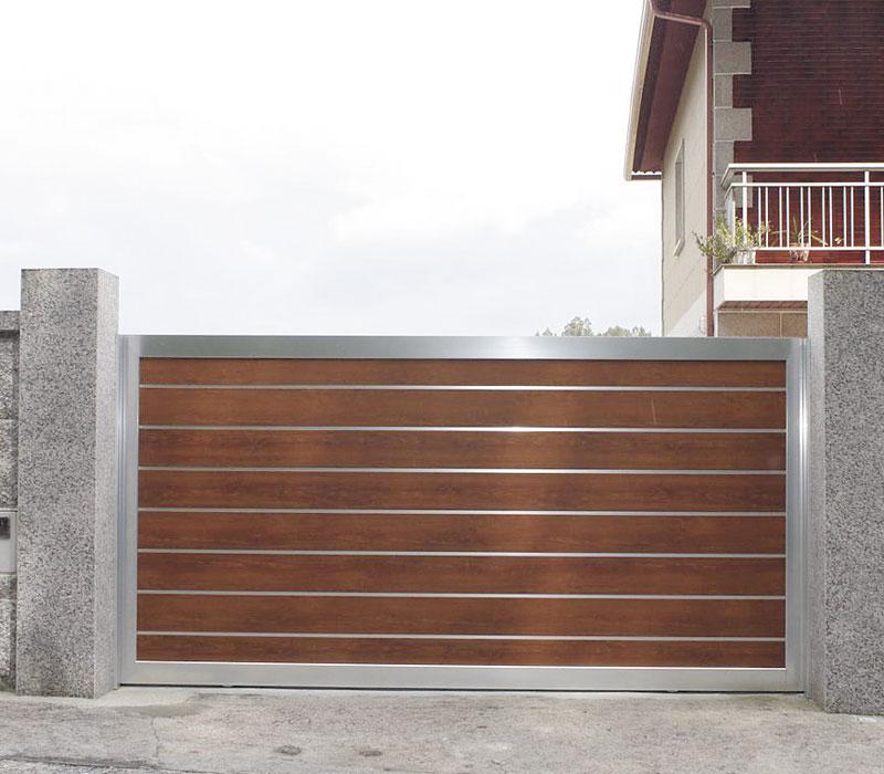 Entrada finca de entrada futuro imitación madera