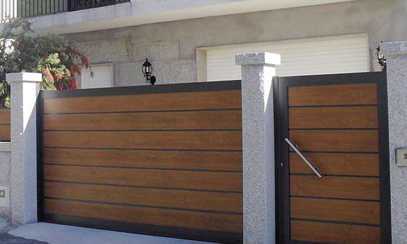 Entrada finca de entrada futuro imitación madera, lamas horizontales