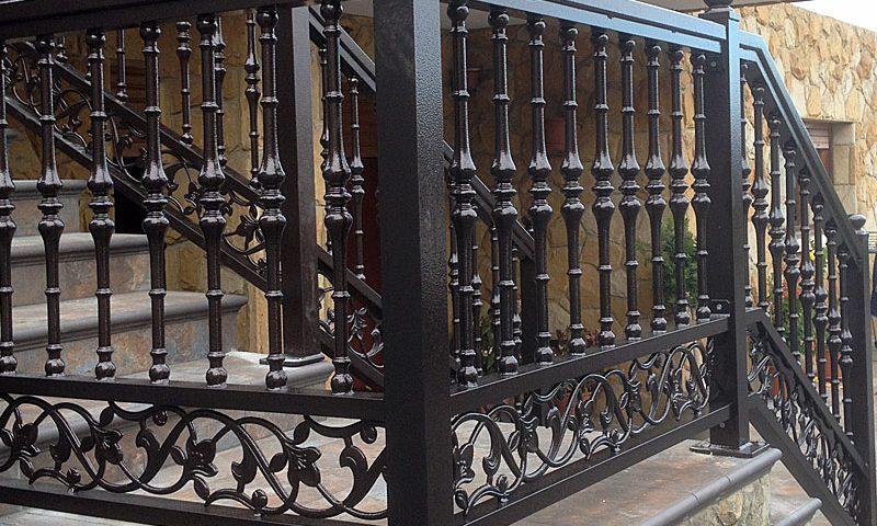 Barandilla orgánica de aluminio para escalera